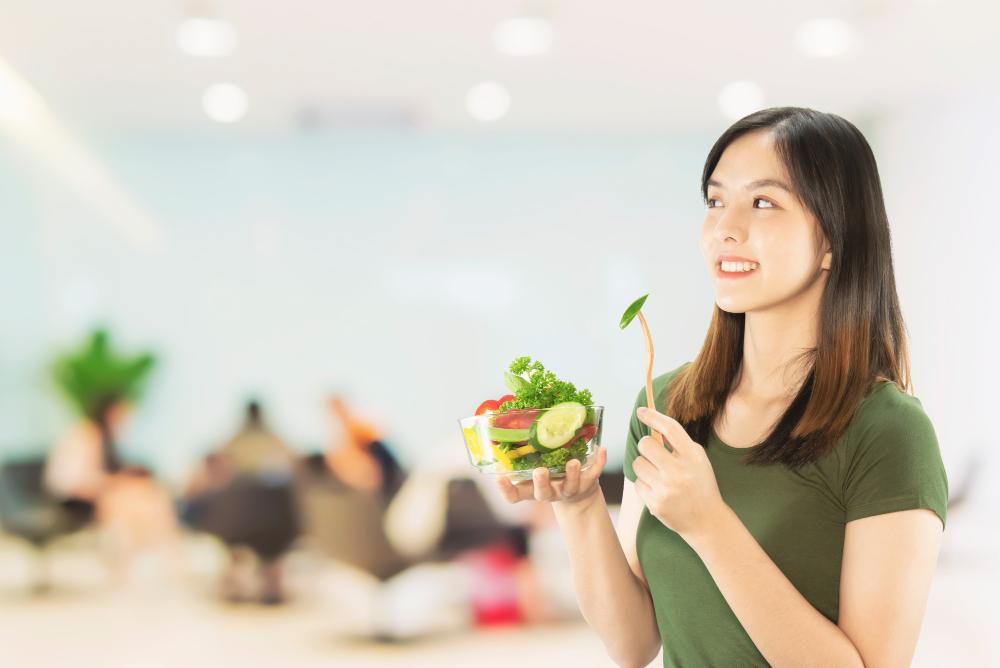 gaya hidup sehat dengan makan makanan sehat